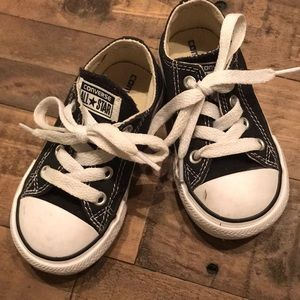 Toddler converse sneakers - size 6 - Black
